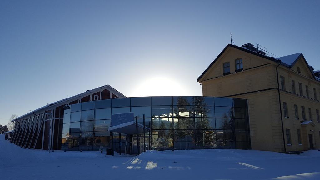 Försvarsmuseum exteriört vintertid.