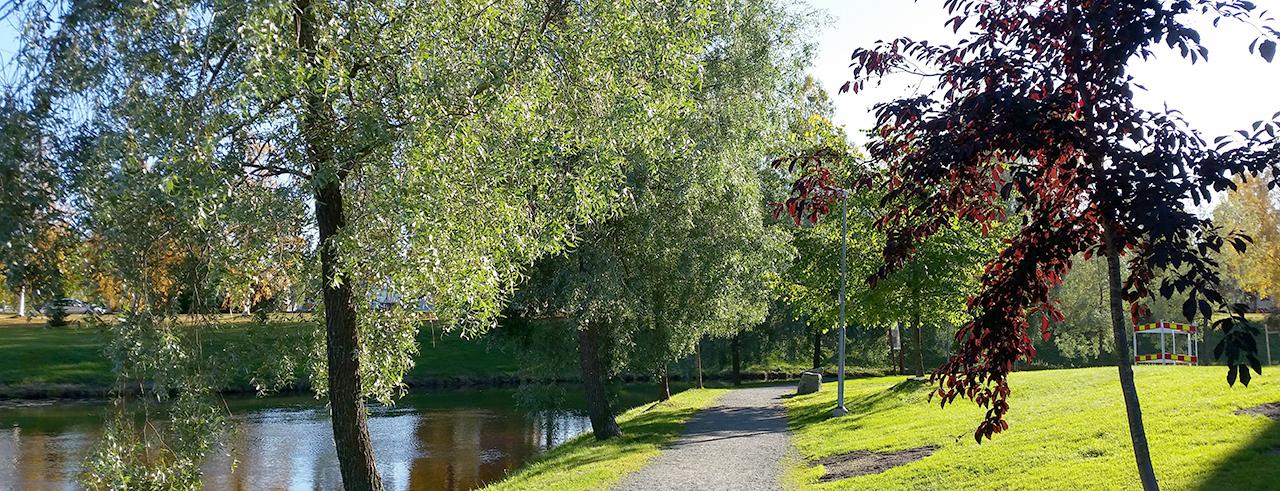 Åpromenaden längs Bodån